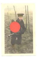 ARMEE BELGE - FORCE NAVALE - Photo Carte Colorisée D'un Marin Avec Fusil Lee Endfield ( Sous Réserve )  (b278) - Equipement