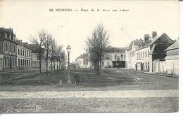 27 Le Neubourg - Place De La Mare Des Fosses - Le Neubourg