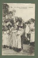 CARTE POSTALE AFRIQUE OCCIDENTALE FEMME SEINS NUS  JEUNES FETICHEUSES - Dahomey