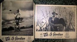 """Lot De 2 Photos De Promotions De Cinéma Du Film """" Le Gardian """" - Tino Rossi - Films Lutécia - 23,5 X 29,5 Cm - Photos"""