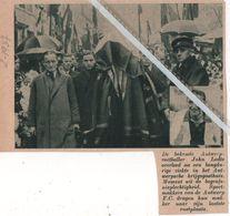 VOETBAL.1937. DE ANTWERPSPELER JOHN LODTS TEN GRAVE GEDRAGEN DOOR DE SPORTMAKKERS ANTWERP F.C. - Non Classés