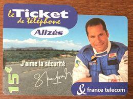 ALIZÉS J'AIME LA SÉCUTRITÉ TICKET TÉLÉPHONE 15 EURO EXP LE 31/10/2004 PRÉPAYÉE PREPAID CARTE TÉLÉPHONIQUE À CODE - Frankreich