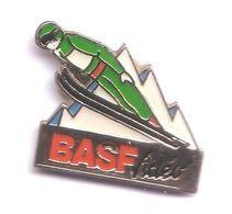CC138 Pin's ALBERTVILLE ? Saut à Ski Basf Achat Immédiat - Invierno