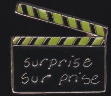 65711-Pin's-Surprise Sur Prise Est Une émission De Télévision En Caméra Cachée. Marcel Béliveau - Cine