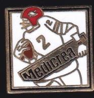 65727-Pin's-.  Football Americain.chirurgie De La Colonne Vertébrale, Medicrea.medical. - Medical