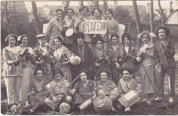 VIL20-  CARTE PHOTO FEMMES FRAU LADY  HABILLES EN CHINOISES  A PEKIN EN 1936  BANDE PEKIN JAZZ   VIOLONS MANDOLINE VERSO - Postcards