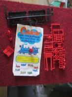 DIVPUB / Maquette Plastique Publicitaire NESCAFE RICORE NESQUICK : LOCOMOTIVE A CONSTRUIRE ANNEES 70 ? - Treinen