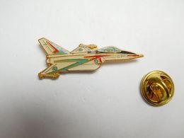 Beau Pin's , Aviation , Avion De Combat , Armée De L'Air - Avions