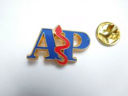 Beau Pin's En Relief , Médical , AP , Caducée , Assistance Publique - Medical