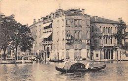 Italy Venezia Palazzo Loredan E Balbi Valier Palace Gondola - Italien