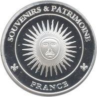 S&P107 - VERSAILLES - Roi Soleil / SOUVENIRS ET PATRIMOINE - Touristiques