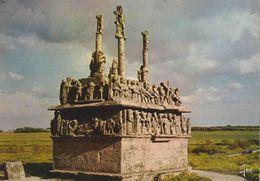 29 SAINT-JEAN-TROLIMON Tronoën, Le Calvaire, L'un Des Plus Anciens De Bretagne 1450-1460 - Saint-Jean-Trolimon