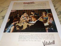 ANCIENNE PUBLICITE ELLES VIENNENT D ESSAYER VITAPOINTE DE VITABRILL  1958 - Parfums & Beauté