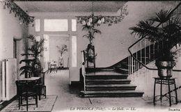"VICHY ""LA PERGOLA"" LE HALL    REF 66678 - Santé"