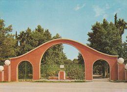 Carte Postale. Maroc. Oujda. Entrée Du Parc De La Princesse Lalla Aicha. Etat Moyen. - Monumentos