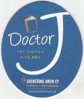 SHENSTONE BREW CO -  (LICHFIELD, ENGLAND) - DOCTOR J - PUMP CLIP FRONT - Letreros