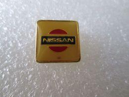PIN'S    LOGO   NISSAN - Pin's & Anstecknadeln