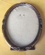 Cadre Ovale En Bois Avec Son Verre Pour Photo 17,5x12,5cm - Autres Collections