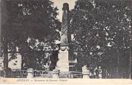 45 - ARTHENAY : Monument Du Souvenir Français - CPA Village (1.830 Habitants ) - Loiret - Artenay