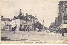 POISSY: CPA PEU COURANTE DE 1906. DU BLD. DE LA GARE .ANIMEE.N° 29.PETIT PLI BAS DROIT.PETIT PRIX.COMPAREZ!!! - Poissy