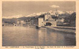 Grenoble (38) - Le Téléférique De La Bastille - La Gare Du Quai De La République Et Les Alpes - Grenoble