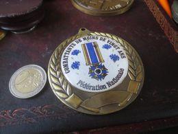 MEDAILLE - FEDERATION NATIONALE COMBATTANTS DE MOINS DE VINGT ANS - France