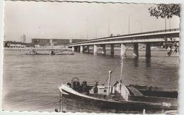 Dav:  Gironde : BORDEAUX :  Vue Sur Le  Quartier D Ela  Gare ; St Jean , Pont , Bateau Olev?  Péniche - Bordeaux