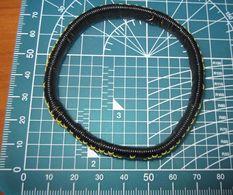 BRACCIALE MATERIALE PLASTICO   BIGIOTTERIA - Bracelets