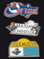 65736-Lot De 3 Pin's-Télévision.médias.A2.Antenne 2. - Médias