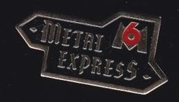 65745-Pin's-Télévision.médias.M6.Metal Express.Musique. - Médias