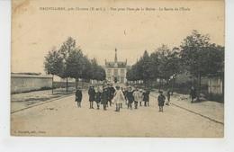 CHARTRES (environs) - MAINVILLIERS - Vue Prise Place De La Mairie - La Sortie De L'Ecole - Chartres