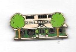 Pin's  ARTHUS  BERTRAND  Façade  De  La  Maison  ARTHUS  BERTRAND - Arthus Bertrand