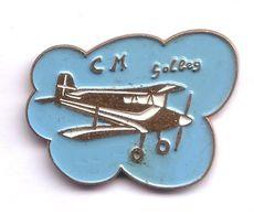 T28 Pin's Avion CM Club Modélisme GOLBEY Vosges Achat Immédiat - Avions
