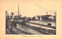 AFRIQUE NOIRE - DAHOMEY (actuel MALI) COTONOU : Sur Le Wharf - CPA - Black Africa - Dahomey