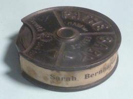 Film 9,5 Mm -) Sarah Bernhardt, Une Grande Tragédienne - Pathé Baby - Pellicole Cinematografiche: 35mm-16mm-9,5+8+S8mm
