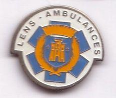 R319 Pin's Médecine LENS Ambulances Ambulance Achat Immédiat - Medical