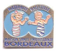 R324 Pin's Médecine Maison Santé Protestante Religion Maternité Bagatelle Bordeaux Gironde Achat Immédiat - Medical