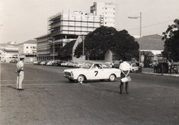 V648Pt  Photo N°1 Angola Luanda Course Automobile Tacot à Identifier - Angola
