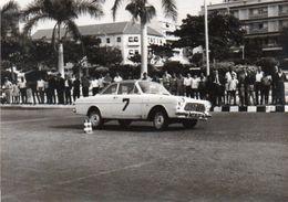 V648Pt  Photo N°2 Angola Luanda Course Automobile Tacot à Identifier - Angola