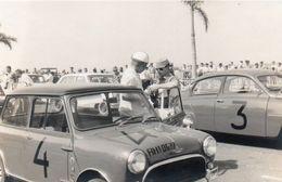 V648Pt  Photo Angola Luanda Course Automobile Tacot Austin Mini Et Autres à Identifier En 1961 - Angola