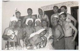 V648Pt  Photo Angola Carmona Devenue Uige Groupe De Jeunes Hommes Torses Nus En 1958 - Angola