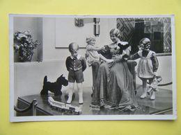 PARIS. L'Exposition Internationale De 1937. Le Pavillon Allemand. Les Poupées Käthe Kruse. - Expositions