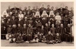 CAMBODGE   GROUPE D'HOMMES HOSPITALISES A CULAOGIEN          MISSION DE PNOM-PENH - Cambodge