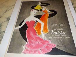 ANCIENNE  PUBLICITE TEINTES LEGERES DES LINGERIES LA VALISERE 1956 - Vintage Clothes & Linen