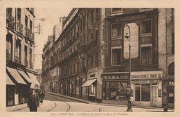 NANTES La Place Du Pilori Et Rue De Verdun ( La Cigogne 212 ) ( Voir Description ) - Nantes