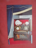 The Eakins  Special  Musical Machine   >  Ref 4188 - Espectáculo