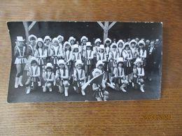 BERGUES SUR SAMBRE FÊTE 25 JUIN 1981 LES MAJORETTES PHOTO L'AISNE NOUVELLE 18cm/10cm - Identified Persons