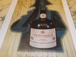 ANCIENNE PUBLICITE COGNAC COURVOISIER THE BRANDY OF NAPOLEON 1958 - Alcools