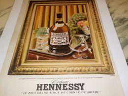 ANCIENNE PUBLICITE LE PLUS GRAND STOCK MAISON COGNAC HENNESSY 1958 - Alcools