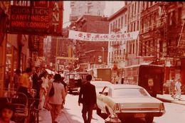 Photo Diapo Diapositive Slide ETATS UNIS N°6 New York Quartier Chinois Restaurant JOY LUCK Camion Martinson VOIR ZOOM - Diapositives